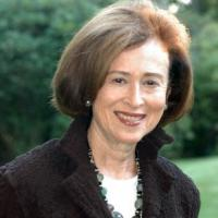 headshot of Barbara Perlmutter