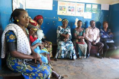 Program Participants in the Democratic Republic of Congo attend a sexual and reproductive health training class.