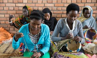 Rwandan women weaving