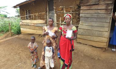 DRC Women with Children and House