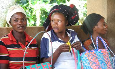 DRC Women with Baskets